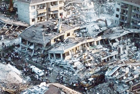 golcuk_izmit_marmara_depremi135tarihtebugun