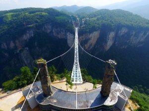 zhangjiajie-grand-canyon-glass-bridge-haim-dotan_dezeen_2364_col_0
