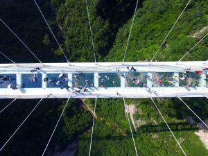 zhangjiajie-grand-canyon-glass-bridge-haim-dotan_dezeen_2364_col_1